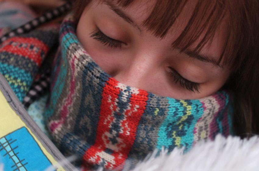 Placche in gola: cause, sintomi, rimedi