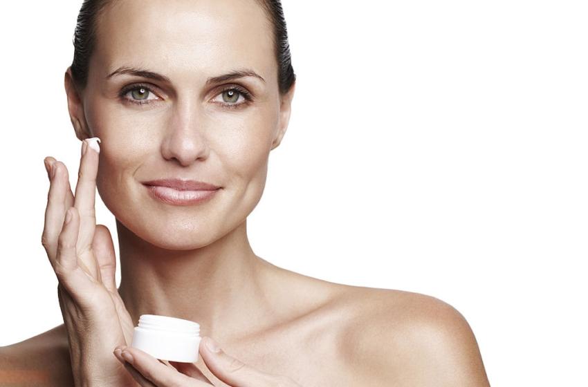 Crema antirughe naturale: per un viso perfetto ad ogni età